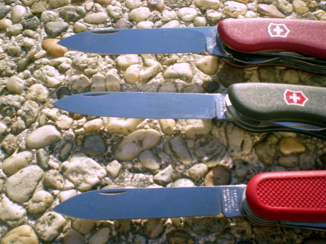 Petit comparatif de trois modèle de Victorinox Dscn6482-3698d40