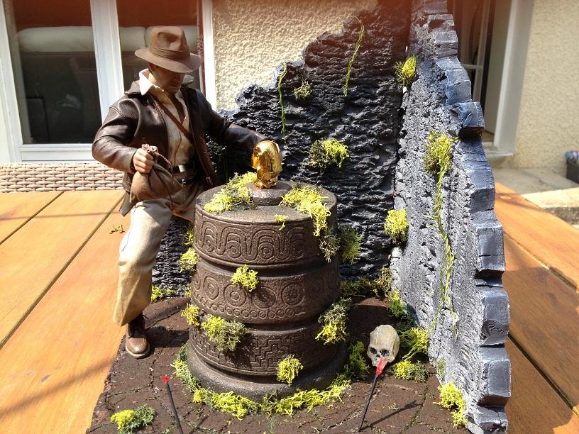 Diorama Indiana Jones Hot Toys ( Terminé ) Img_0372-36afcfe