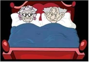 Resultado de imagen de dos viejitos en la cama